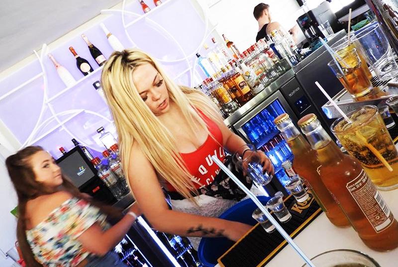 Bar Worker Zante